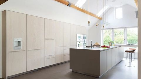 Cách giảm nhiệt ngày hè cho ngôi nhà đẹp qua thiết kế - Ảnh 4.