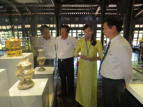 Triển lãm hơn 80 báu vật triều Nguyễn - Ảnh 1.