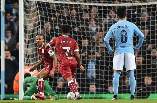 Thắng nghẹt thở Bristol City, Man City mơ chung kết League Cup - Ảnh 4.