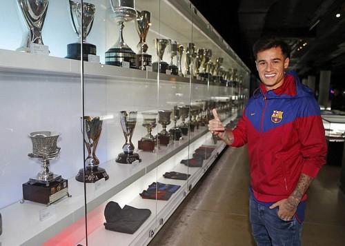 Thương binh Coutinho chào sân hợp đồng bom tấn tại Barcelona - Ảnh 8.