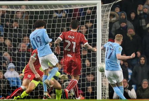 Thắng nghẹt thở Bristol City, Man City mơ chung kết League Cup - Ảnh 5.