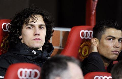 Công Vinh chiêu mộ cựu cầu thủ Manchester United - Ảnh 1.