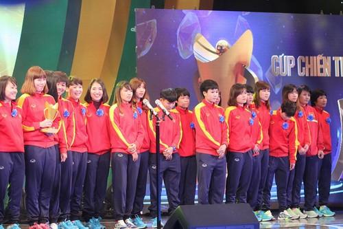 Lê Thanh Tùng, Bùi Thu Thảo đăng quang Cúp Chiến thắng - Ảnh 5.
