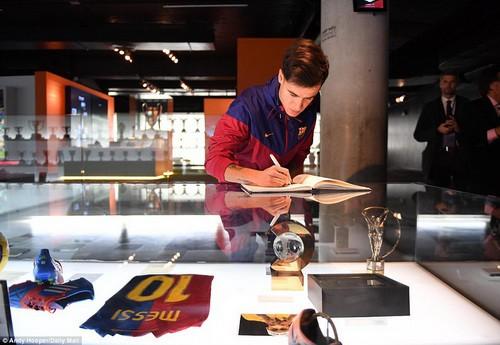Thương binh Coutinho chào sân hợp đồng bom tấn tại Barcelona - Ảnh 6.