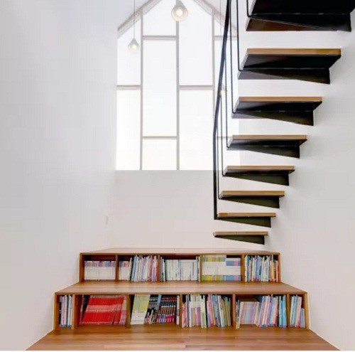10 mẫu cầu thang gỗ đẹp hiện đại cho nhà phố chật chội - Ảnh 7.