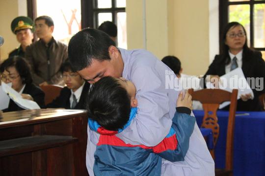 Phó Đồn Biên phòng Cửa khẩu Nam Giang phủ nhận chủ mưu phá rừng - Ảnh 5.