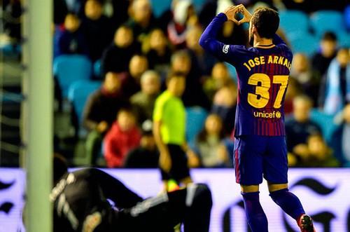 Trọng tài tặng phạt đền, Real Madrid đại náo Numancia - Ảnh 5.