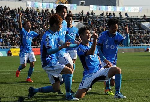 Kazu Miura 50 tuổi vẫn chạy tốt ở Yokohama FC - Ảnh 3.