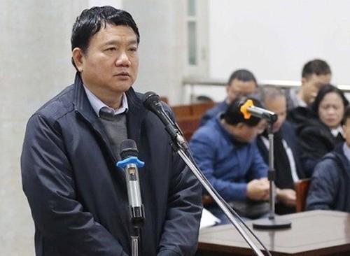 Luật sư truy vấn ông Đinh La Thăng tại tòa - Ảnh 2.