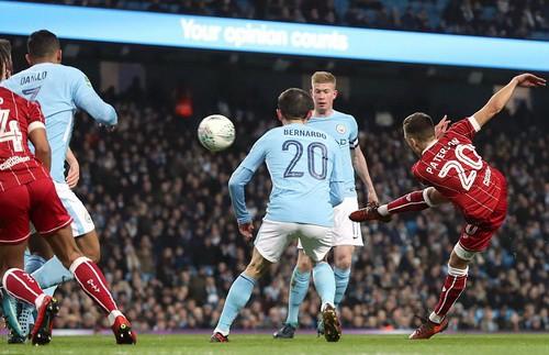 Thắng nghẹt thở Bristol City, Man City mơ chung kết League Cup - Ảnh 2.