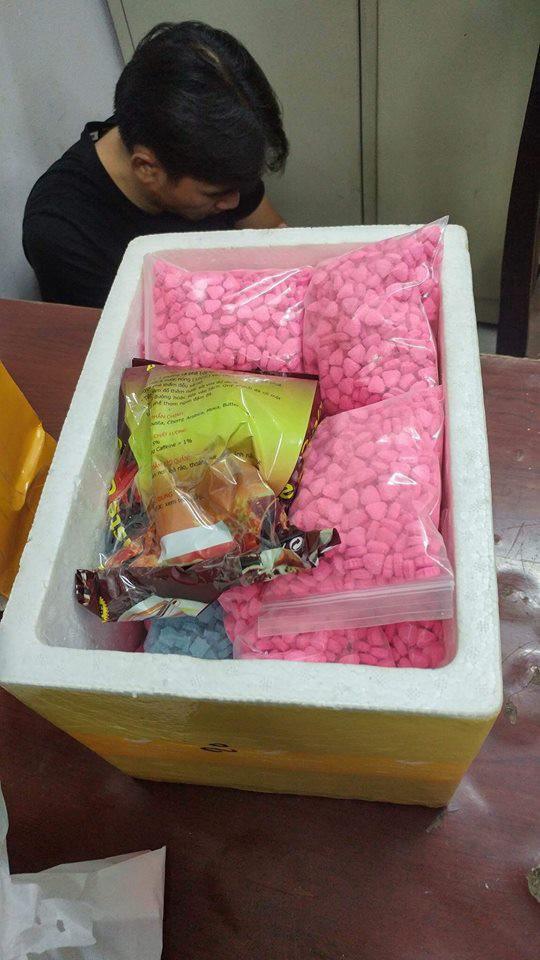 TP HCM: Bắt 2 trùm chế biến ma túy và thuốc lắc - Ảnh 7.