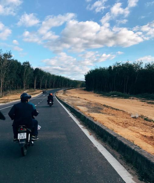 Những con đường ở Tây Nguyên đẹp như cảnh trên phim Hàn - Ảnh 4.
