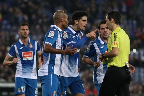 Messi hỏng phạt đền, Barcelona thua sốc Espanyol - Ảnh 4.