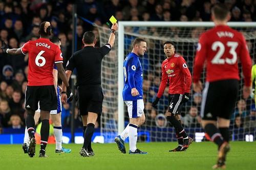 Man United trở lại ngôi nhì, Mourinho đá xoáy Scholes - Ảnh 6.