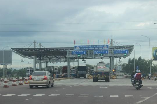 Bộ Giao thông lý giải việc giảm phí nhỏ giọt ở BOT Nam Bình Định - Ảnh 1.