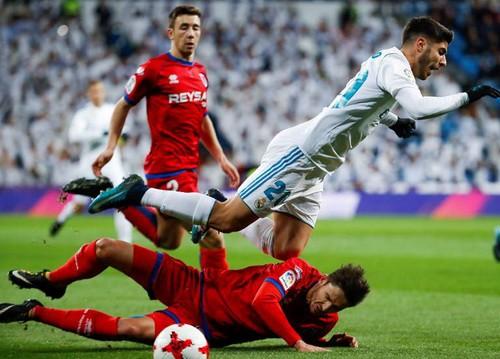 Khán giả tẩy chay, Real Madrid bị đối thủ hạng Nhất cầm chân - Ảnh 2.