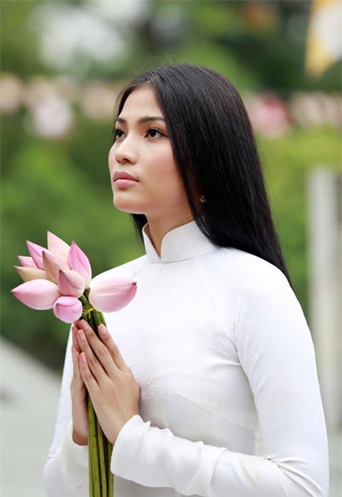 Trương Thị May tái xuất màn ảnh rộng bằng vai ma mị - Ảnh 2.