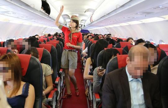 Ngồi sai ghế, nam hành khách còn đánh tiếp viên hàng không - Ảnh 1.