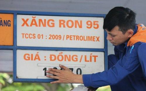 Vì sao cơ quan quản lý không điều hành giá cơ sở xăng RON 95? - Ảnh 1.