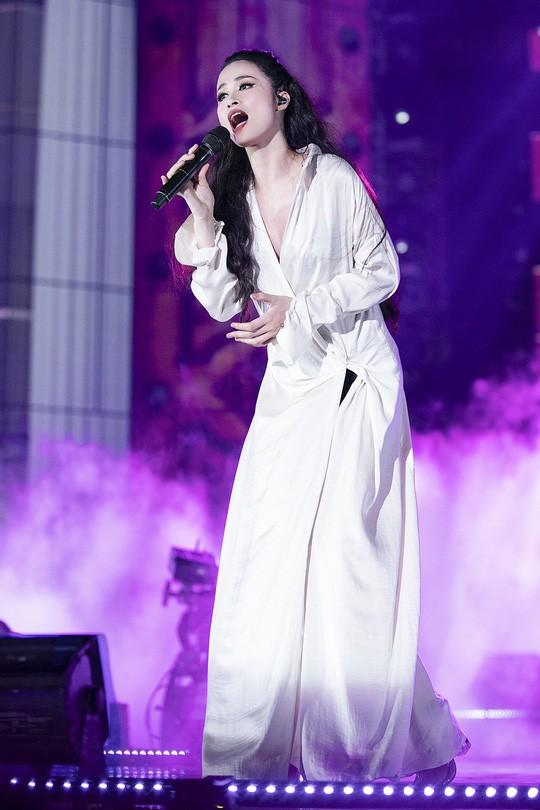 Dư âm Mai Vàng 2018: Đông Nhi khóc, Bùi Anh Tuấn vui không ngủ được - Ảnh 7.