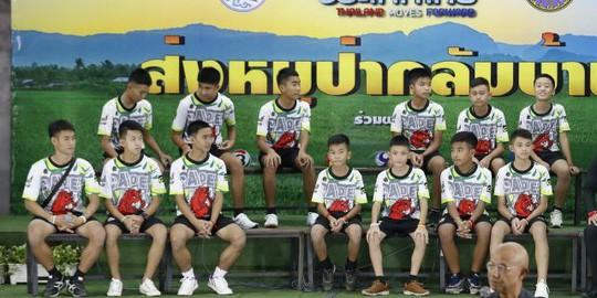 Tiết lộ bí mật cuộc giải cứu đội bóng Thái Lan - Ảnh 1.
