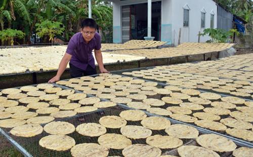 Làng chuối khô 100 năm nức tiếng chuẩn bị hốt bạc - Ảnh 2.