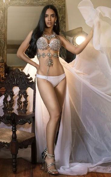 HHen Niê vào tốp 20 Nữ hoàng sắc đẹp thế giới - Ảnh 11.