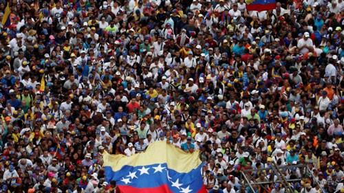 Venezuela căng thẳng nghẹt thở - Ảnh 1.