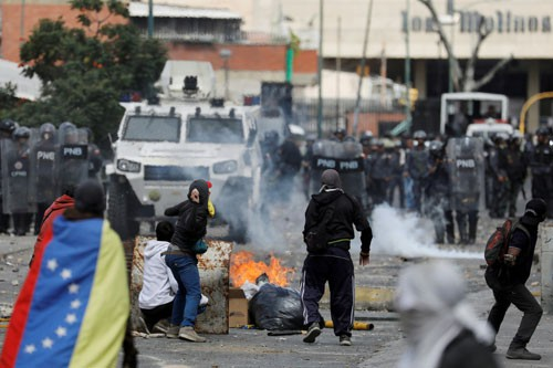 Mỹ - Venezuela đối đầu căng thẳng - Ảnh 1.