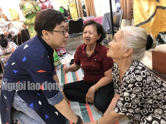Bộ ba Kim Cương, Thành Lộc, Hữu Châu vui xuân tri ân nghệ sĩ - Ảnh 6.