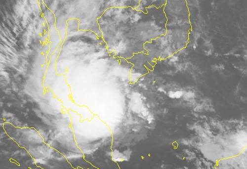 Bão số 1 giật cấp 11 cách mũi Cà Mau 240 km, Tây Nam Bộ mưa diện rộng - Ảnh 2.