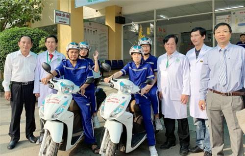 Bệnh viện thứ 2 dùng xe cấp cứu 2 bánh - Ảnh 1.