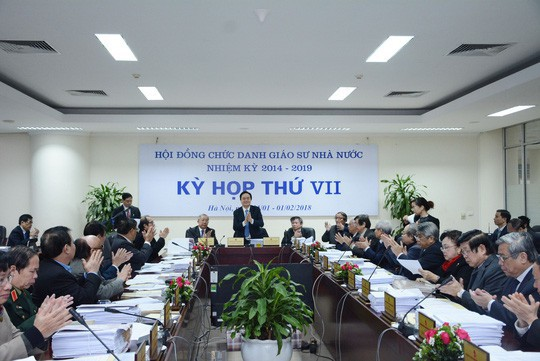 Giáo dục Việt Nam bước qua một năm sóng gió - Ảnh 1.