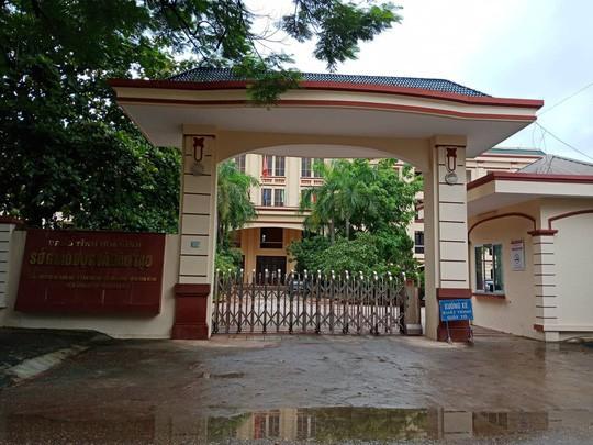 Giáo dục Việt Nam bước qua một năm sóng gió - Ảnh 2.