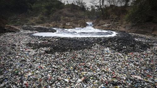 Indonesia: Quân sự hóa chiến dịch làm sạch sông - Ảnh 1.