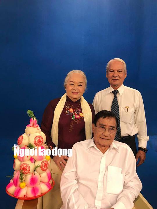 NSƯT Quế Trân khóc nghẹn trong lễ mừng thọ kép độc Nam Hùng - Ảnh 2.