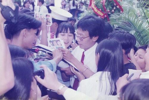 Giải Mai Vàng 25 năm: Ký ức vui vẻ của MC Lại Văn Sâm - Ảnh 2.