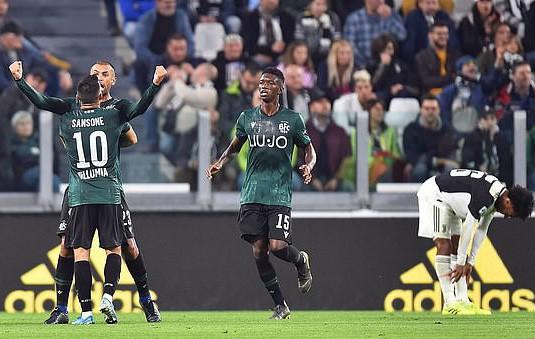 Juventus tặng quà độc, Ronaldo bùng nổ với bàn thắng 701 - Ảnh 7.