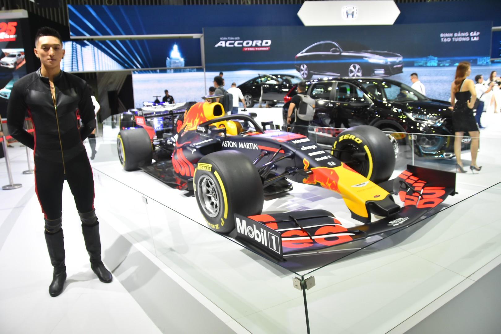 Gần 100 mẫu ôtô mới nhất trình diễn tại Vietnam Motor Show 2019 - Ảnh 13.
