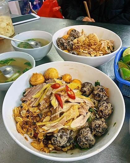 Những món ăn vỉa hè cho người chơi đêm Hà Nội - Ảnh 4.