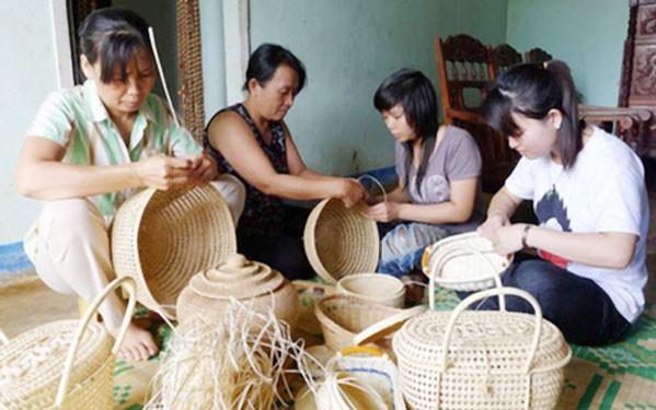 Gần 65% lao động nông thôn học nghề phi nông nghiệp - Ảnh 1.