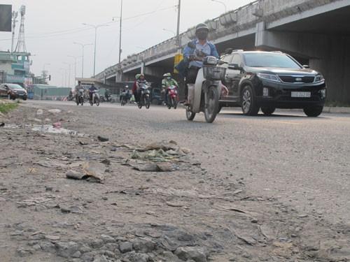 Kiến nghị rửa đường để giảm ô nhiễm - Ảnh 1.