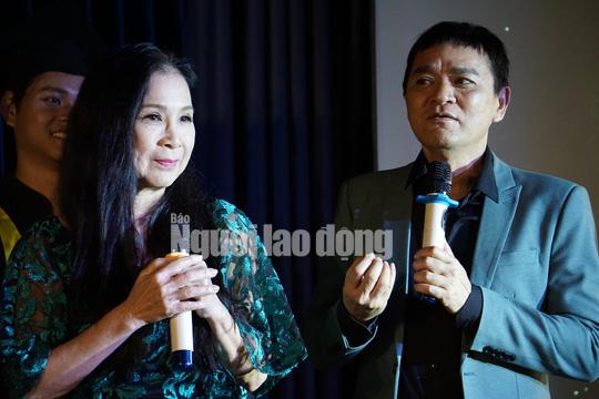 NSND Kim Xuân cảm kích trước con đò của nghệ sĩ Quốc Thảo - Ảnh 1.