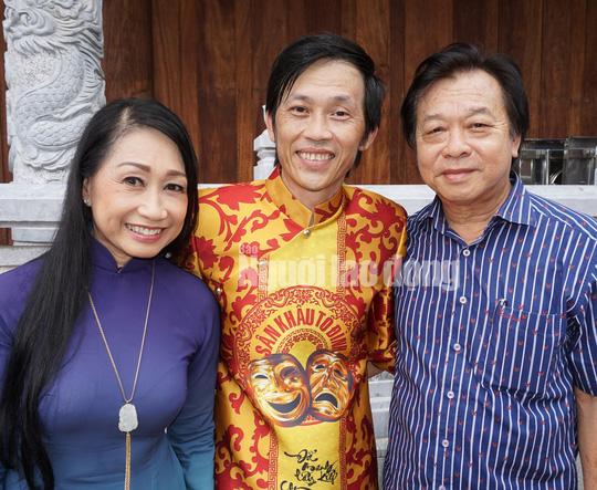 Xuc dong nhung loi tri an thay co cua nghe si san khau