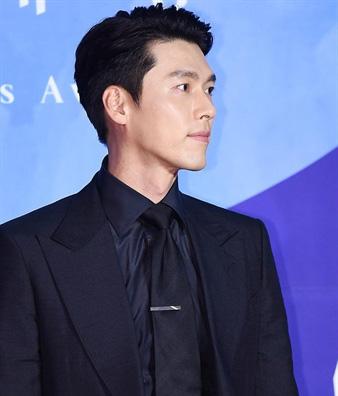 Nhan sắc của Hoàng tử màn ảnh Hyun Bin ở tuổi 37 - Ảnh 11.