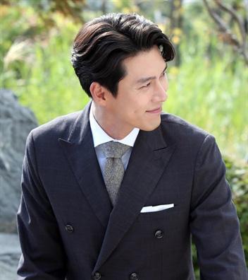 Nhan sắc của Hoàng tử màn ảnh Hyun Bin ở tuổi 37 - Ảnh 8.