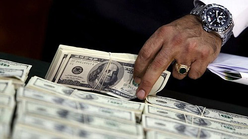 Các gia đình siêu giàu đang thừa tiền mặt - Ảnh 1.