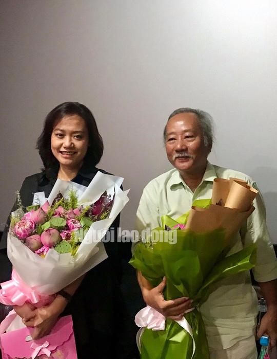 Diễn viên Hồng Ánh bồi hồi gặp lại đạo diễn Nguyễn Vinh Sơn - Ảnh 6.