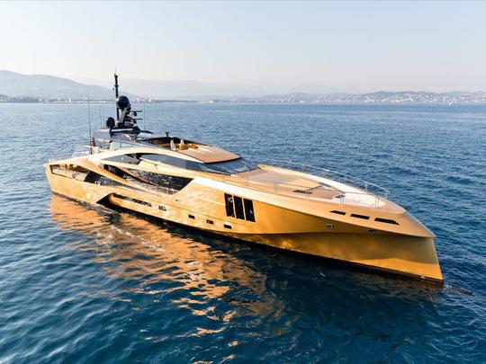 Ngắm siêu du thuyền Khalilah trị giá 31 triệu USD - Ảnh 1.
