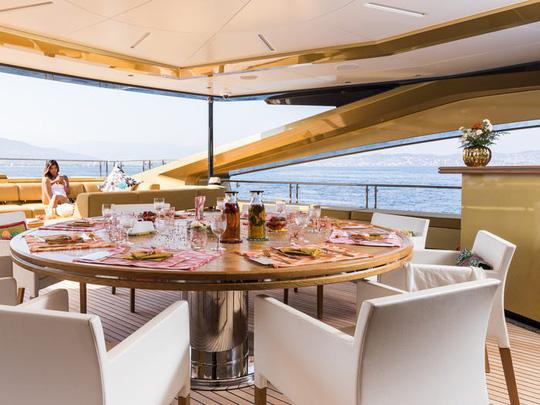 Ngắm siêu du thuyền Khalilah trị giá 31 triệu USD - Ảnh 4.